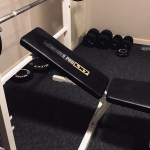 Bench Press With Weights for Sale in Pennsville, NJ