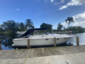 31 ft tiara. 500 hours on complete rebuild. 7kw Kholer generator ac everything redone and documentation available. for Sale in Fort Lauderdale, FL