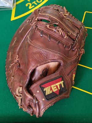 Vintage Zett First Baseman's baseball glove Right Hand Throw; adult size - for Sale in Tampa, FL