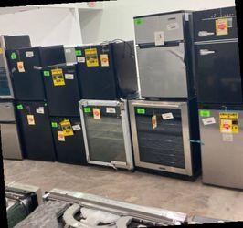 Mini Fridges Liquidation Sale ☺️☺️☺️ MB for Sale in Corona,  CA