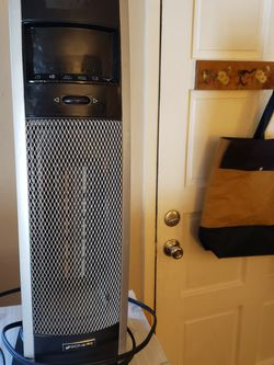 Bionaire Oscillating Tower Heater/ Fan for Sale in Normandy Park,  WA