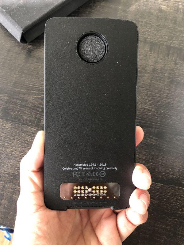 Moto Hasselblad True Zoom Camera