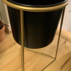 Plant Holder With Stand for Sale in Kent, WA