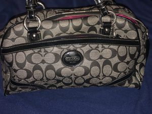 Coach Black and Gray leather purse. 100% Authentic for Sale in Silver Spring, MD