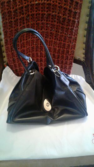 Black Soft Leather Coach Bag. for Sale in Bakersfield, CA