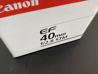 Canon EF 40mm 2.8 STM lens for Sale in Naperville,  IL