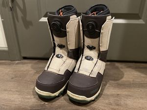 Snowboard boots M 9.0 (by Thirtytwo shifty boa) for Sale in Ithaca, NY