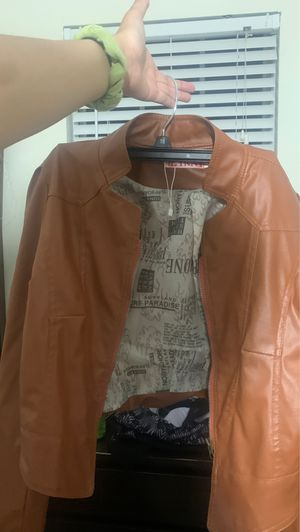 Brown leather jacket WOMENS for Sale in Manassas, VA