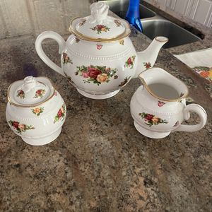 Beautiful Coffee Set for Sale in Orlando, FL