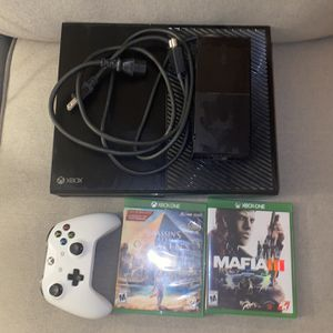 Microsoft Xbox One 500GB W/ Headset, Controller &2 Games for Sale in Los Angeles, CA