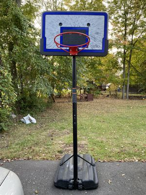 BASKETBALL HOOP and basketballs! for Sale in Bristol, CT