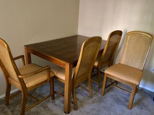 Real Hardwood Dining Table w/ 4 chairs for Sale in Beaverton, OR