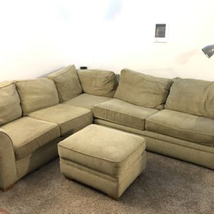 Sectional With Ottoman (free) for Sale in San Diego, CA