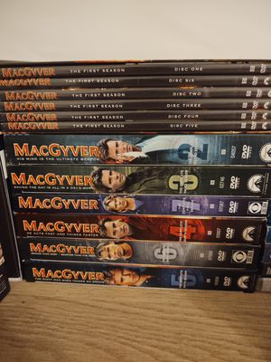Macgyver complete series for Sale in Bonita, CA
