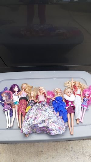 Dolls with accessories for Sale in Perris, CA
