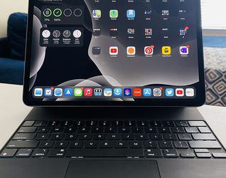 "12.9"" iPad Pro 3rd Gen & Magic Keyboard for Sale in Dallas,  TX"