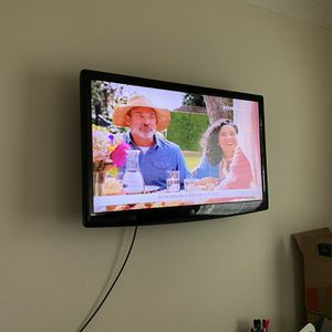 Westinghouse 40 Inch TV for Sale in Upper Marlboro, MD