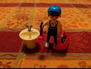 Playmobil Special Plumber W/ Bathroom Sink Tools Plunger for Sale in Miami, FL