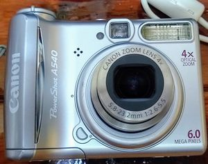 Canon Power Shot A540 , 4X ; 6 Megapixels, like New working condition, accessories and camera bag. for Sale in Hialeah, FL