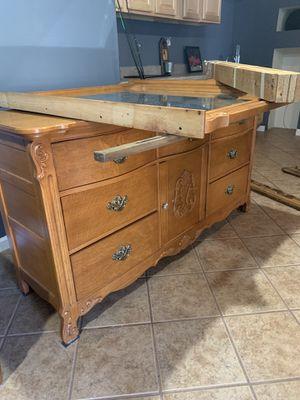 Stanley Solid Oak Dresser and Mirror for Sale in Roanoke, VA