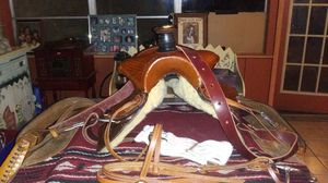 Roping saddle with blanket for Sale in Slaughter, LA