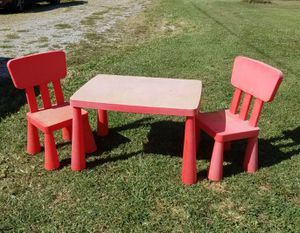 Kids table & chairs for Sale in La Grange, KY