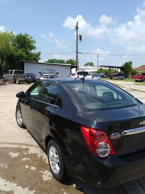 2013 chevy sonic for Sale in Houston, TX