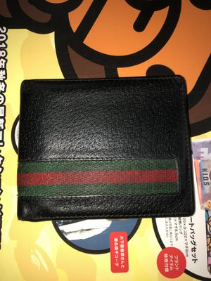 Gucci wallet for Sale in Daly City, CA