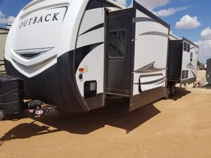 2018 RV Keystone Outback for Sale in Pembroke Pines, FL
