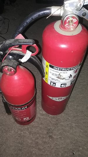 2 fire extinguisher 15 watch or 25$both full charge for Sale in Renton, WA