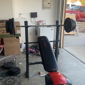 WEIGHT BENCH WITH WEIGHTS for Sale in Rancho Cucamonga, CA
