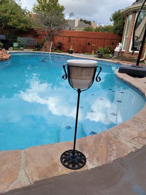 """24"""" tall metal flower pot stand for Sale in Flower Mound, TX"""