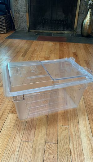Cambro 4.75 gal food storage container for Sale in U SADDLE RIV, NJ