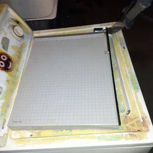 Paper cutter board Dahl model 18E guillotine trimmer for Sale in Los Angeles, CA