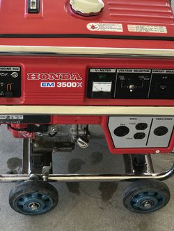 Honda EM3500x 120/240 Gas Generator In Excellent Working Condition for Sale in Banning,  CA