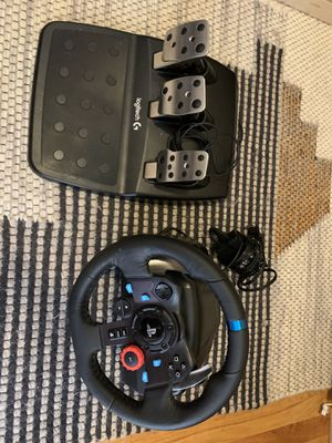 Logitech G29 Sim Racing Wheel (compare to Thrustmaster and Fanatec) for Sale in Chicago, IL