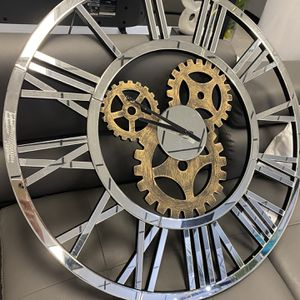 Mirrored Wall Clock for Sale in Fort Lauderdale, FL