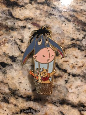 Disney pin Auctions P.I.N.S. Eeyore Hot Air Balloon Winnie the Pooh LE500 for Sale in Phoenix, AZ