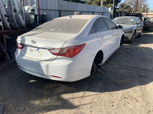 2013 Hyundai Sonata only parts——— solo partes for Sale in Oakdale, CA