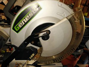 Genesis. 12″ DUAL-BEVEL SLIDING COMPOUND MITER SAW with Portable Rolling Saw Table for Sale in Villa Rica, GA
