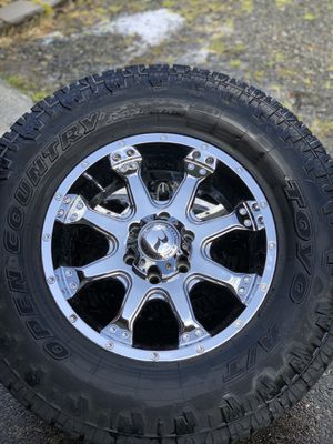 """18"""" wheels 35"""" tires (fits F150) for Sale in Snohomish, WA"""