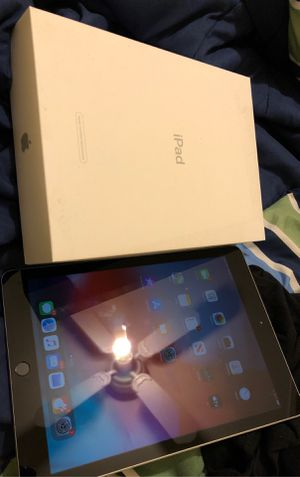 Ipad 6th gen 32 gb for Sale in Montgomery Village, MD