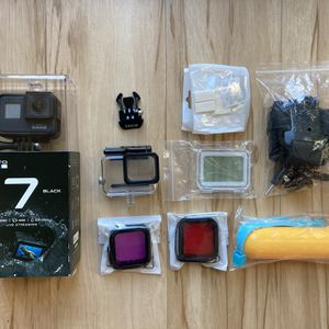 GoPro Hero 7 Black with Accessories for Sale in Portland, OR