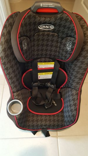 Graco infant/toddler car seat for Sale in Valrico, FL