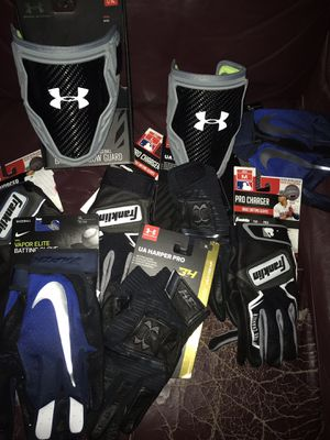 BASEBALL BATTING GLOVES AND ARM GUARDS for Sale in Mesa, AZ