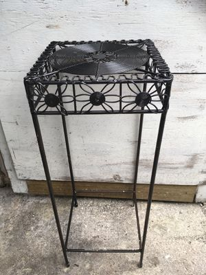 Plant stand for Sale in Saint Petersburg, FL