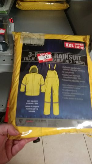 Rain suit xxl 3 pieces for Sale in Lake Worth, FL