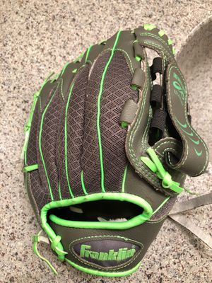 Youth Baseball Glove for Sale in Colton, CA