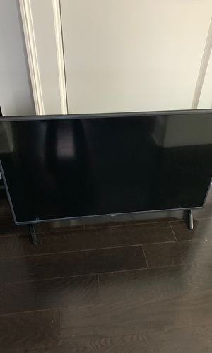 LG 42 inch TV with Roku stick for Sale in Washington, DC