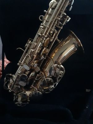 Fever alto saxophone ,brand new never played with case for Sale in Los Angeles, CA